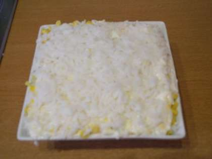 Повторить оставшиеся слои. Самый нижний слой сделать из риса.