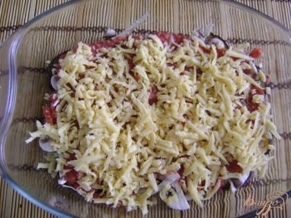 Далее слой тертого сыра.