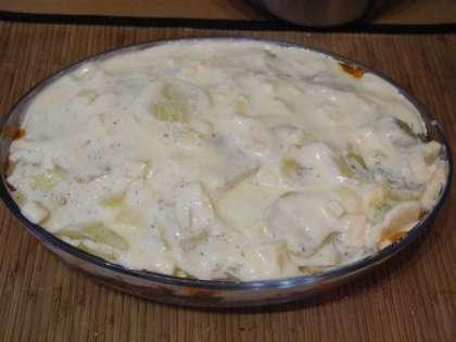Выложить сверху йогуртовую смесь