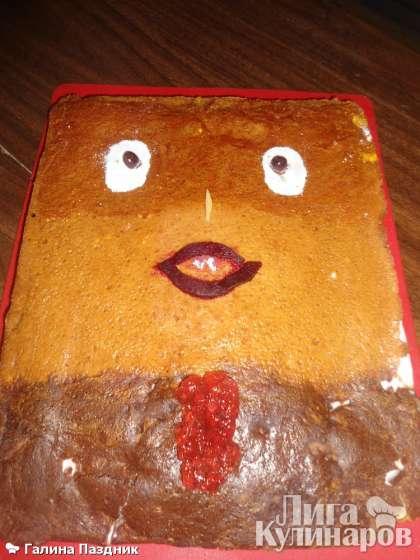 Дети рады: у них вкусный медовый торт!