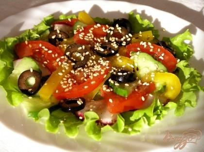 Рецепт салата из жареной рыбы с