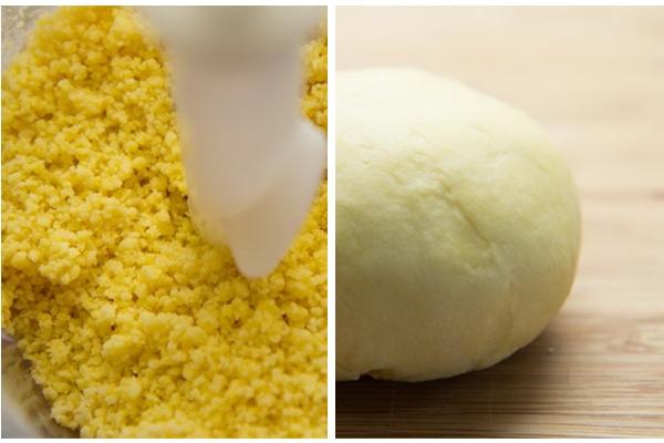 В блендер насыпаем муку и кладем яйца и желтки. Перемешиваем все на высокой скорости. Получатся влажные крошки.   Высыпаем их на доску или стол и замешиваем эластичное тесто. Формируем колобок и убираем на минут 30 в холодильник.