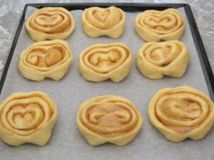 Как испечь сдобные булочки в домашних условиях