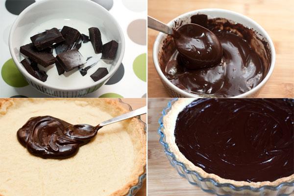 Шоколад поломайте на куски, залейте горячими сливками и интенсивно мешайте, пока не получится однородная блестящая масса — ганаш.  Покройте ганашем основу торта и оставьте в прохладном места до застывания.