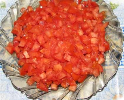 Салат из кириешек с помидорами и сыром