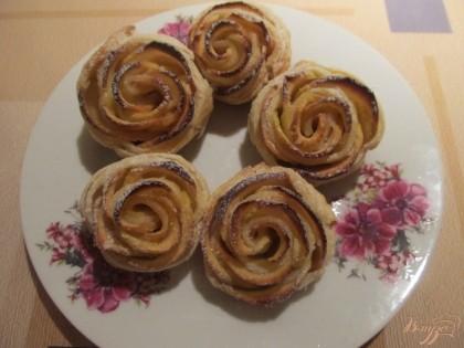 слойки с яблоками розочки рецепт пошаговое фото