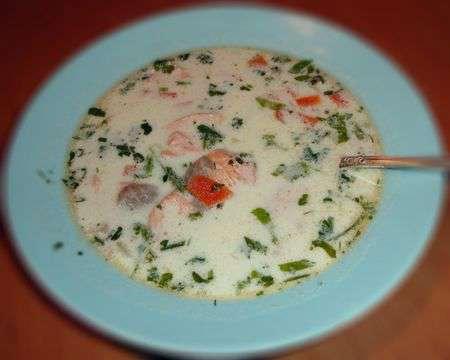 Финский суп Лохикейто с лососем и морковью