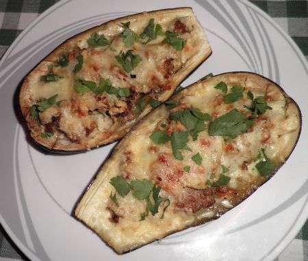 Фаршированные баклажаны с сыром