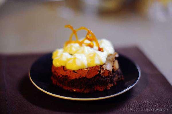 Пирожное с маскарпоне и апельсиновой карамелью