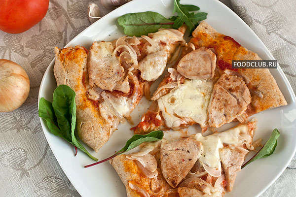 Пицца с луком из цельнозерновой муки