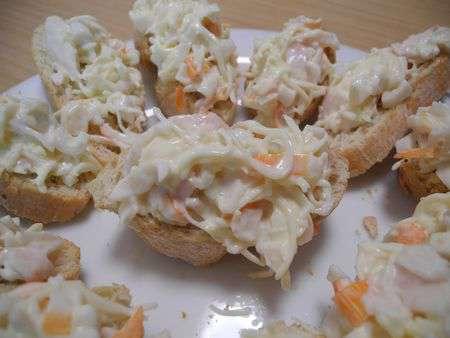 Тапас c крабовыми палочками и сыром