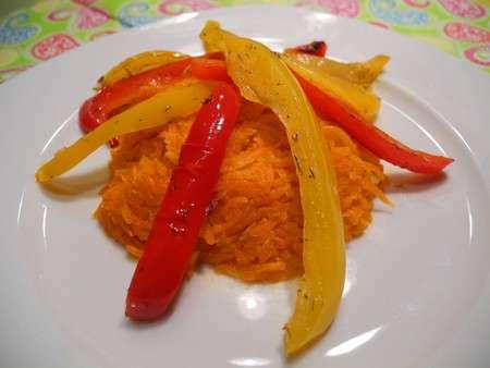 Закуска из жареных перца с морковью