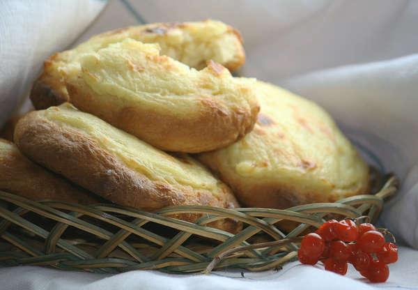 Рецепт шаньги с картошкой из дрожжевого теста рецепт пошагово